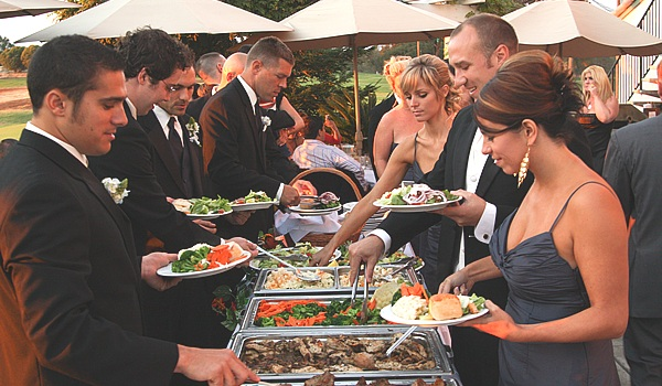 What does Buffet mean? | Definition of Buffet by Weddings for a Living